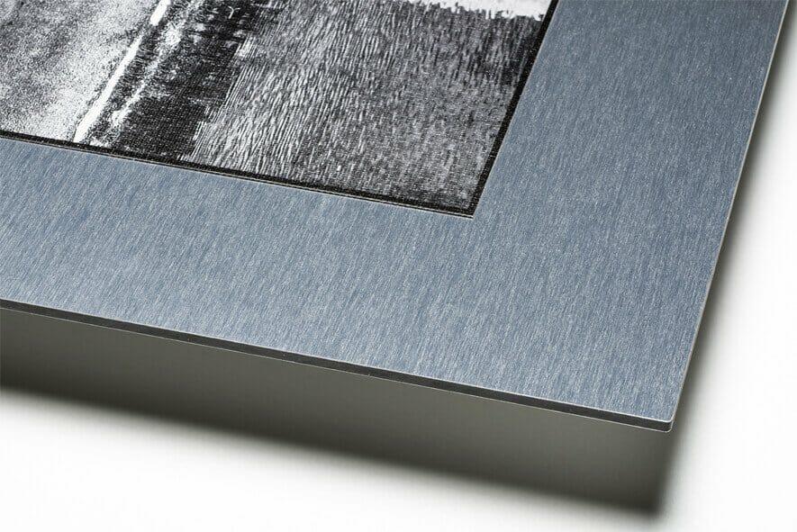 Carta applicata su supporto di alluminio