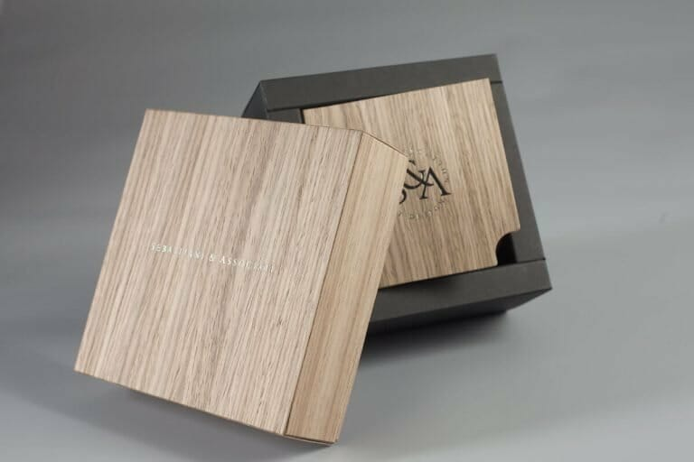 Il legno, due applicazioni nei packaging per prodotti di lusso