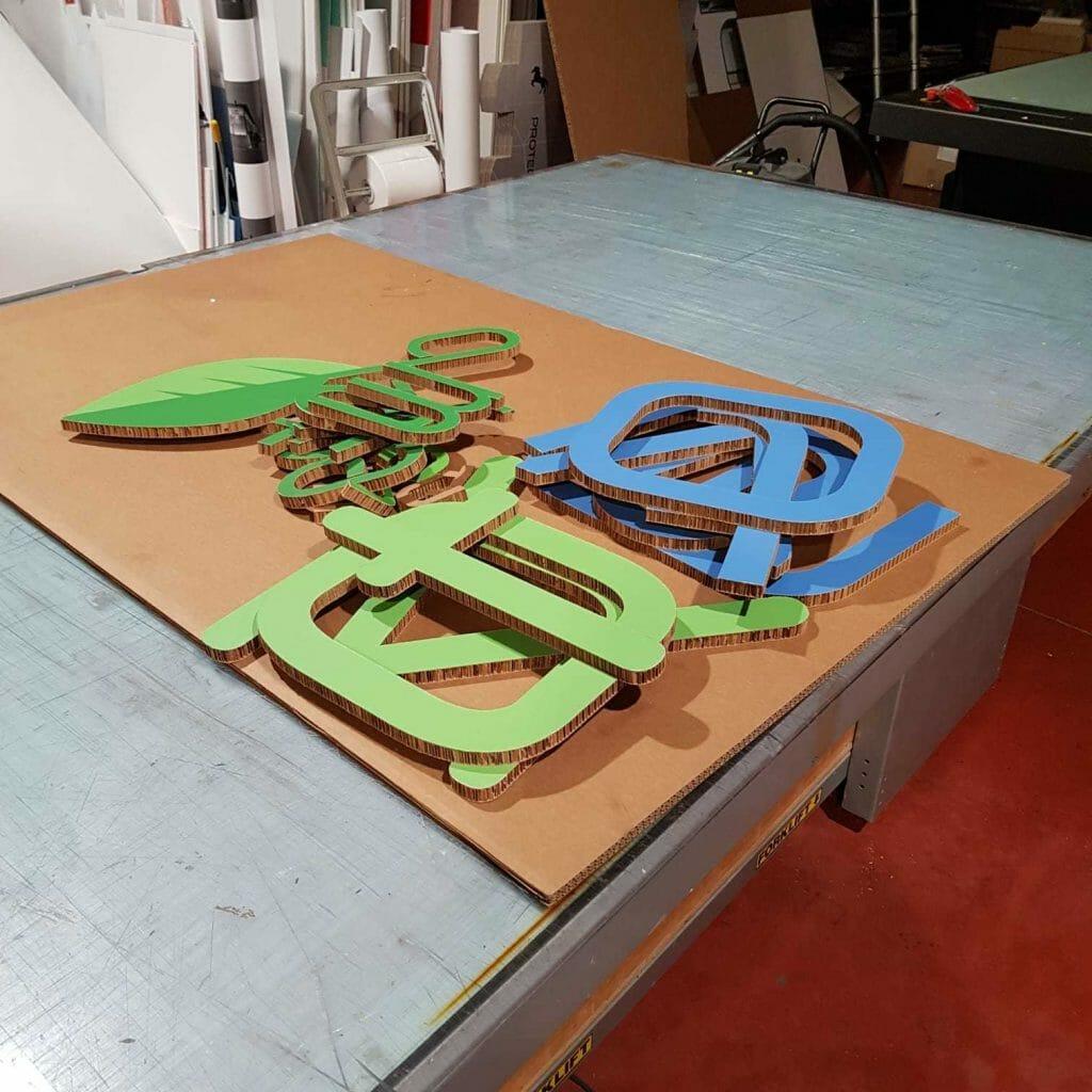 Scritta 3D con licheni