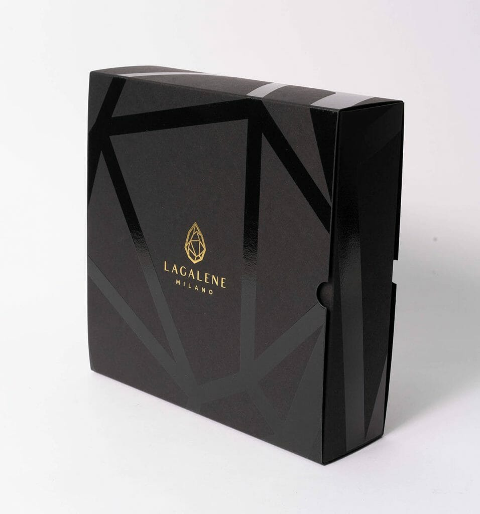 Astucci con guaina o a fiammifero. Perfetti per il settore cosmetico.