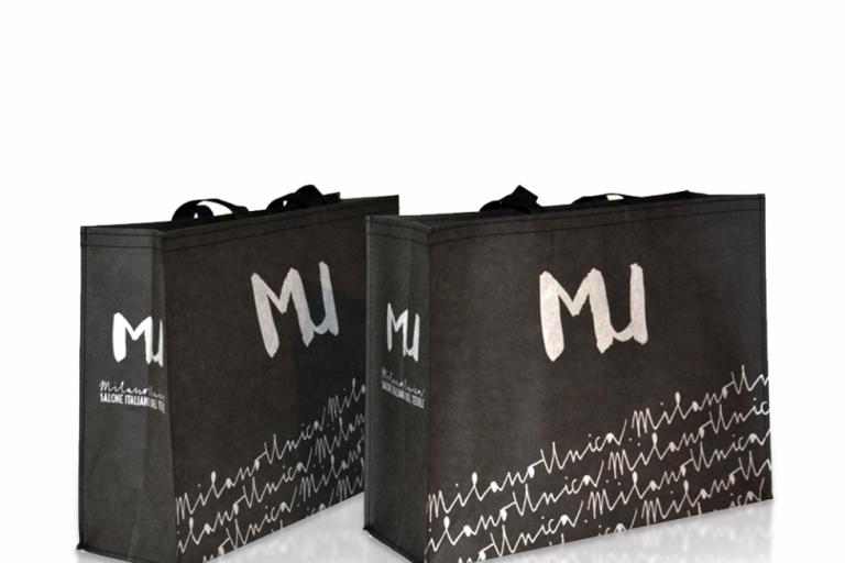 Buste shopper personalizzate. 5 motivi per cui investire in un prodotto di successo.